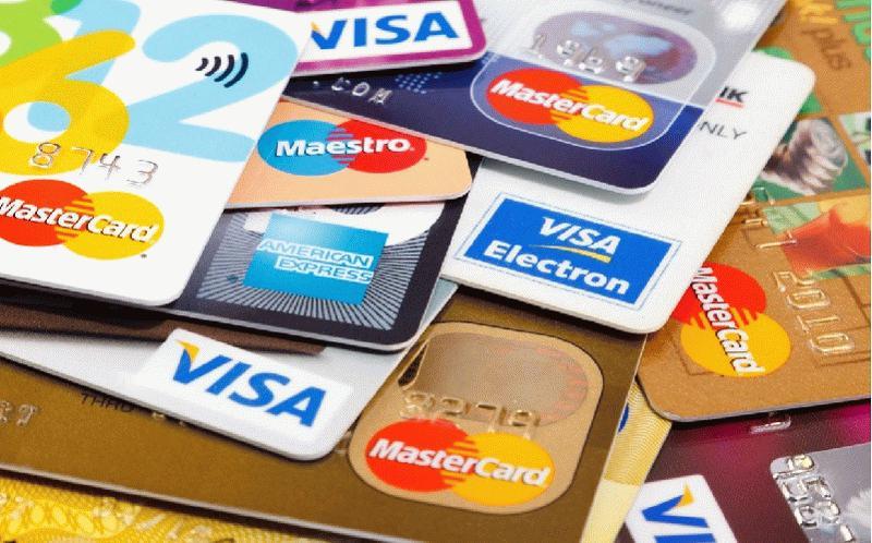 карты разных платежных систем
