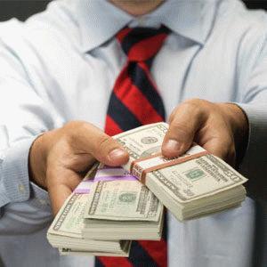 В каком банке выгодно продать доллары? Рекомендации и советы экспертов